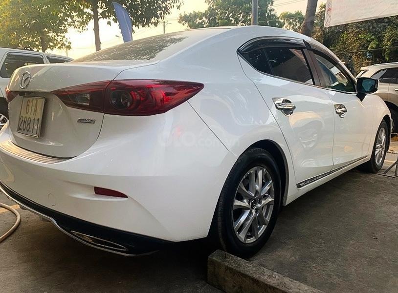 Xe Mazda 3 năm sản xuất 2016, màu trắng (4)