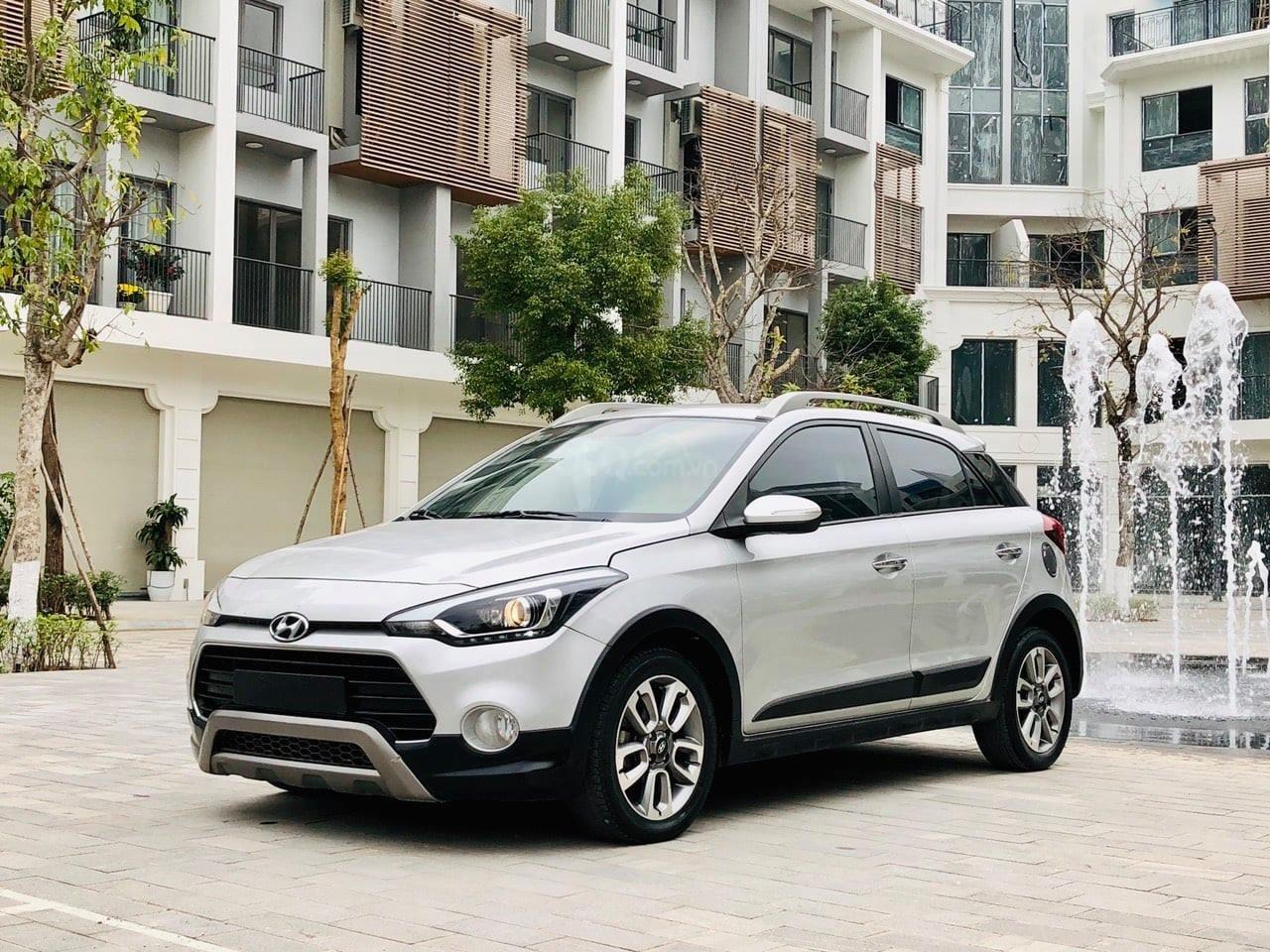 Bán xe Hyundai i20 Active năm sản xuất 2015, màu bạc, xe nhập khẩu, chạy cực ổn định (3)