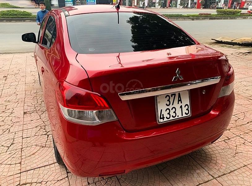 Cần bán Mitsubishi Attrage đời 2017, màu đỏ, nhập khẩu nguyên chiếc (4)