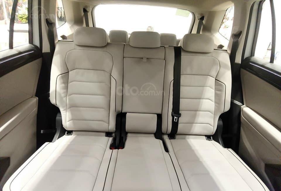 Cập nhật hôm nay giá lăn bánh & khuyến mãi xe Tiguan Luxury S 2021 màu trắng, phiên bản cao cấp nhất, liên hệ Mr Thuận (13)