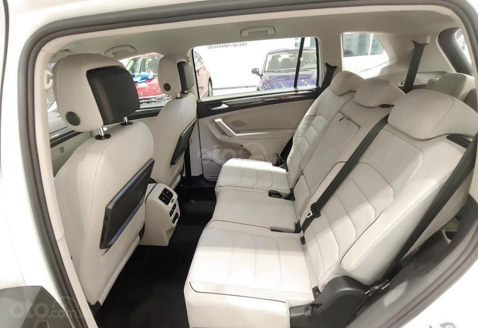 Cập nhật hôm nay giá lăn bánh & khuyến mãi xe Tiguan Luxury S 2021 màu trắng, phiên bản cao cấp nhất, liên hệ Mr Thuận (12)