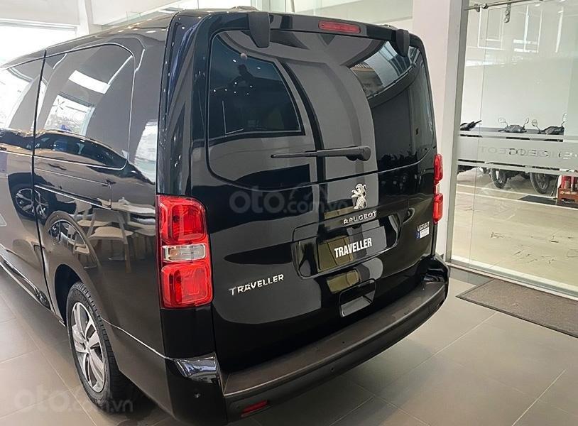 Cần bán xe Peugeot Traveller Luxury đời 2020, màu đen (2)