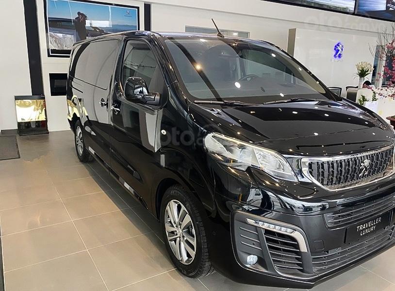 Cần bán xe Peugeot Traveller Luxury đời 2020, màu đen (1)