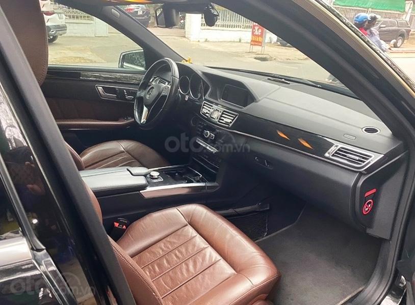 Xe Mercedes E250 năm sản xuất 2013, màu đen còn mới (5)