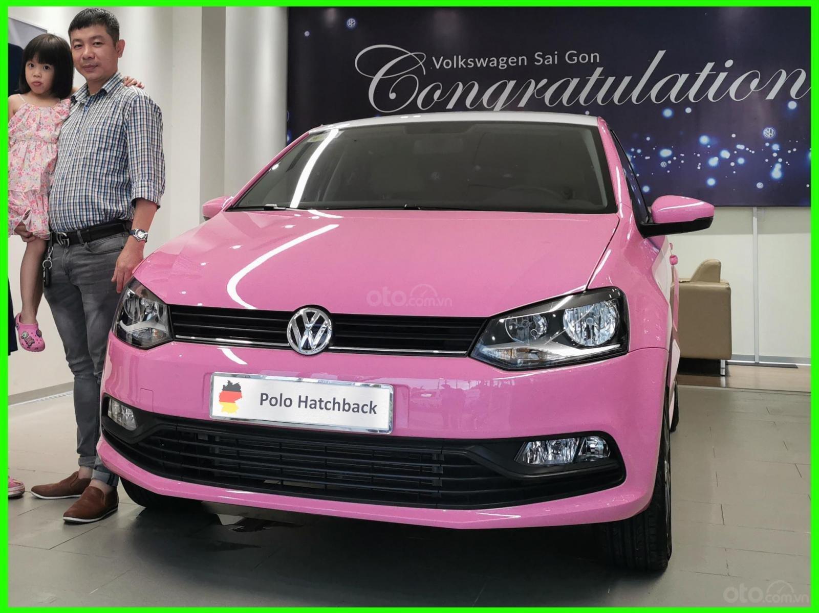 Hôm nay giá lăn bánh & khuyến mãi xe polo Hatchback màu hồng tiếp tục giảm sâu, liên hệ Mr Thuận để biết giá tốt nhất (1)