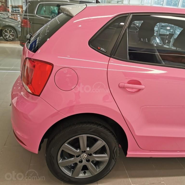 Hôm nay giá lăn bánh & khuyến mãi xe polo Hatchback màu hồng tiếp tục giảm sâu, liên hệ Mr Thuận để biết giá tốt nhất (6)