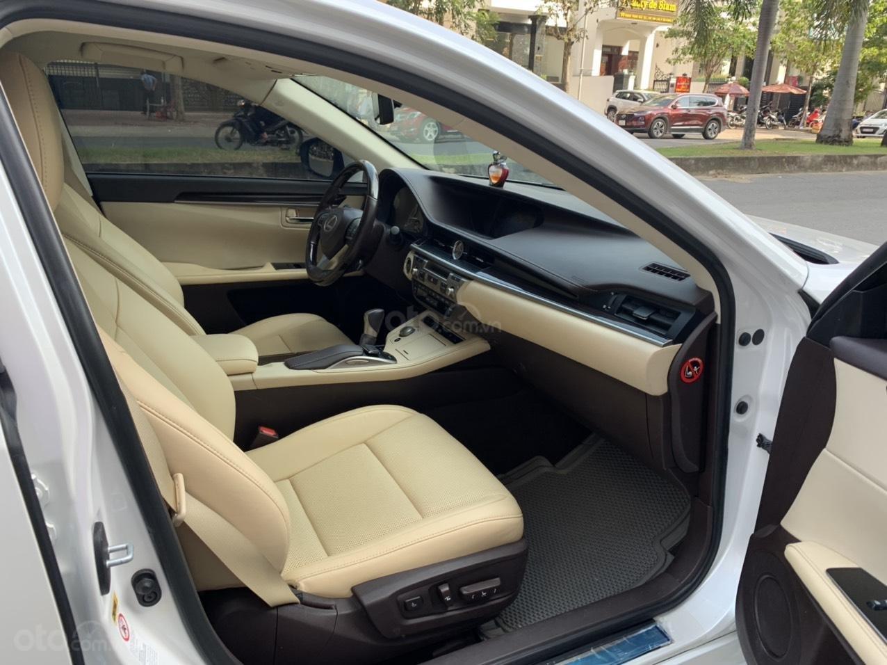 Bán Lexus ES 350 model 2016 giá 1 tỷ 790 tại HCM (3)