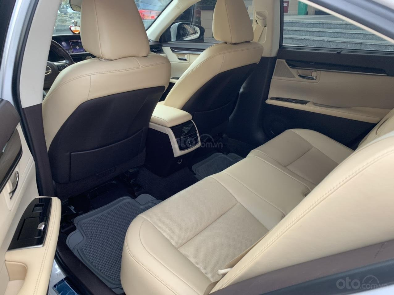 Bán Lexus ES 350 model 2016 giá 1 tỷ 790 tại HCM (8)