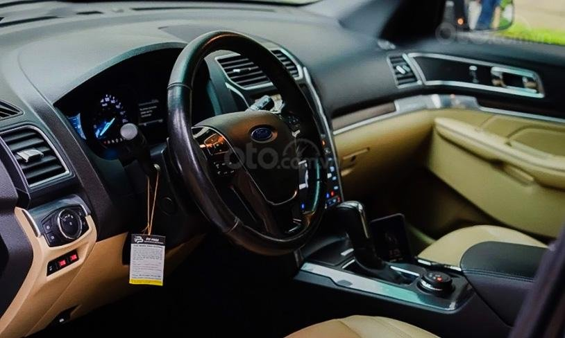 Cần bán lại xe Ford Explorer Limited 2.3L EcoBoost sản xuất năm 2016, màu đen (3)
