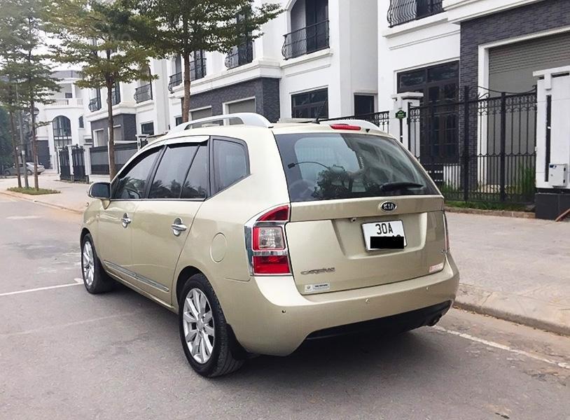Cần bán lại xe Kia Carens 2011, màu vàng cát (1)