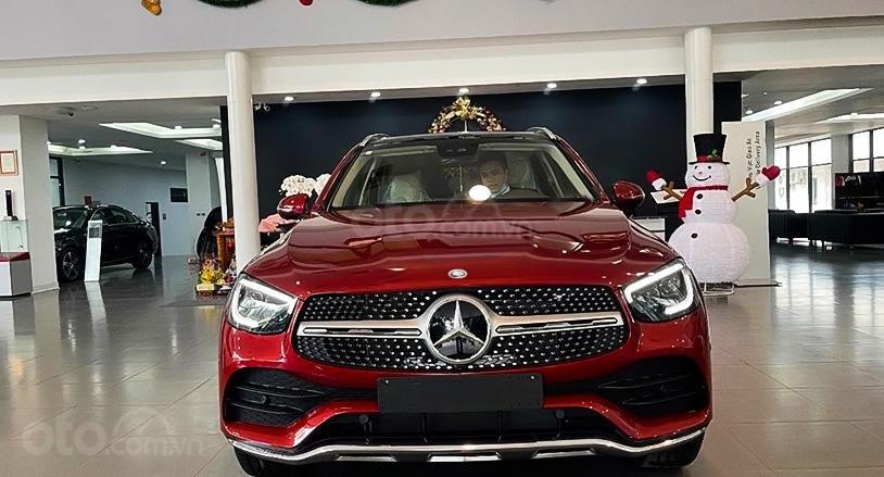 Cần bán Mercedes đời 2021, màu đỏ (4)