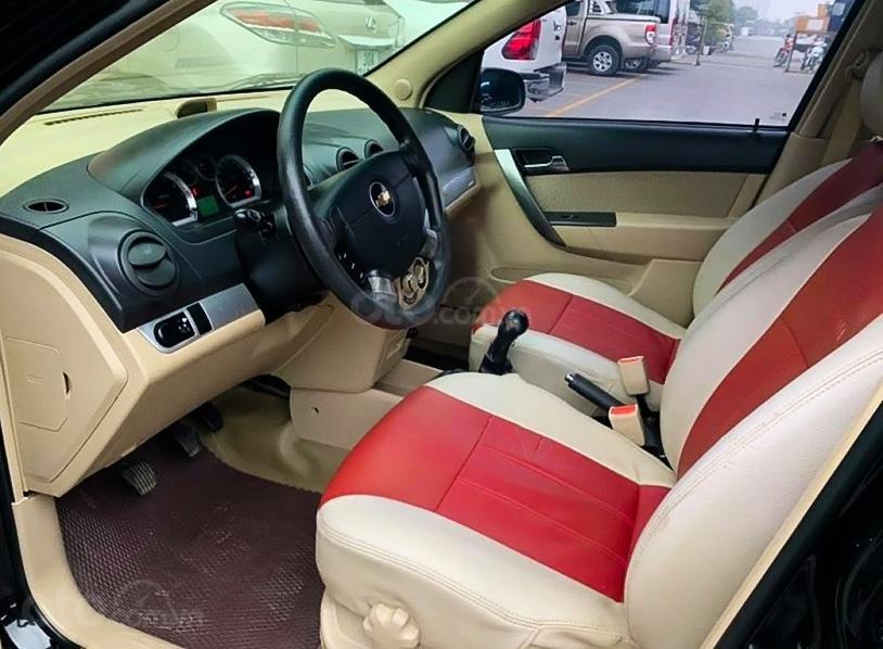 Bán Chevrolet Aveo LT 1.4 MT đời 2018, màu đen (2)