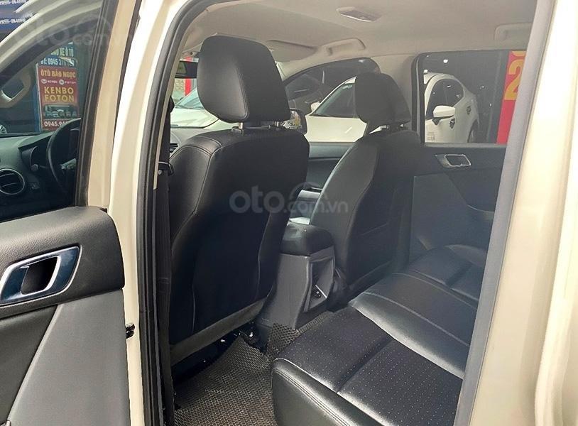 Cần bán gấp Mazda BT 50 đời 2018, màu trắng, nhập khẩu  (3)