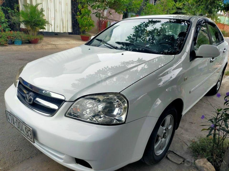 Cần bán Daewoo Lacetti 2011, màu trắng, giá thấp (1)