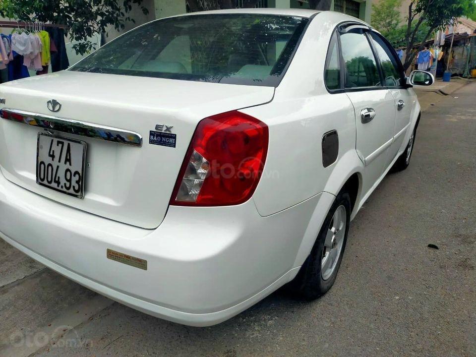 Cần bán Daewoo Lacetti 2011, màu trắng, giá thấp (2)