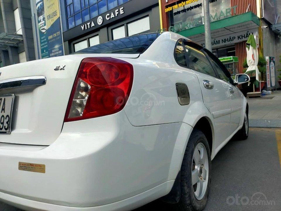 Cần bán Daewoo Lacetti 2011, màu trắng, giá thấp (4)