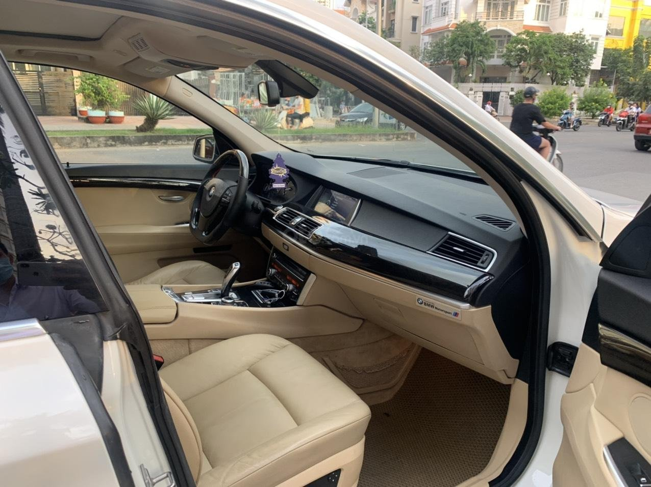 Cần bán gấp BMW 535GT SX 2011, giá 960 triệu (6)