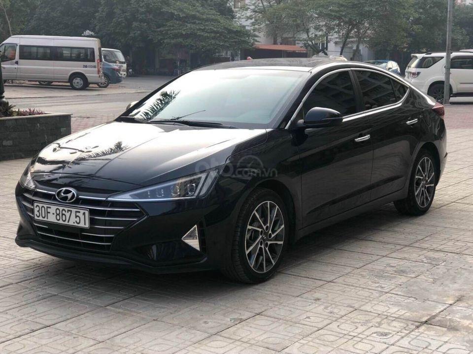 Cần bán xe Hyundai Elantra 2.0AT năm sản xuất 2019, màu đen bản full, giá chỉ 679 triệu (2)