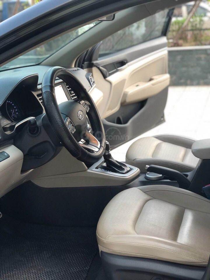 Cần bán xe Hyundai Elantra 2.0AT năm sản xuất 2019, màu đen bản full, giá chỉ 679 triệu (5)