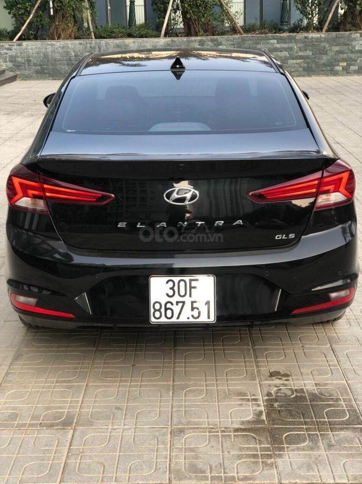 Cần bán xe Hyundai Elantra 2.0AT năm sản xuất 2019, màu đen bản full, giá chỉ 679 triệu (4)