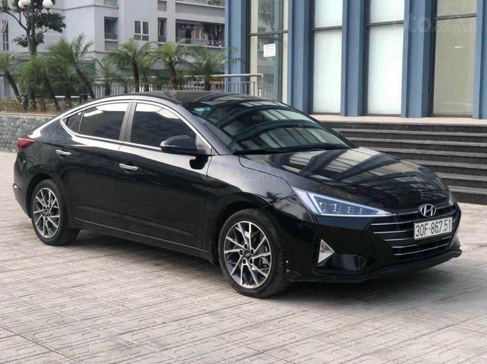 Cần bán xe Hyundai Elantra 2.0AT năm sản xuất 2019, màu đen bản full, giá chỉ 679 triệu (3)