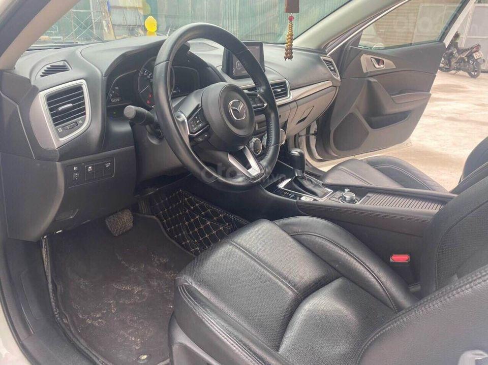 Cần bán nhanh giá tốt xe Mazda 3 1.5 năm 2018, màu trắng chính chủ, số tự động (4)