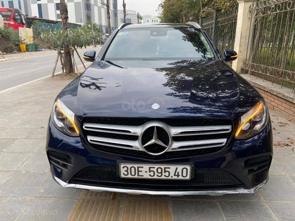 Cần bán xe Merc GLC 300 AMG model 2017, màu xanh cavansite, giá chất giá tầm (4)