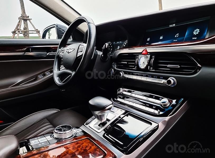 Bán Hyundai Genesis G90 năm 2016, màu đen, nhập khẩu (4)