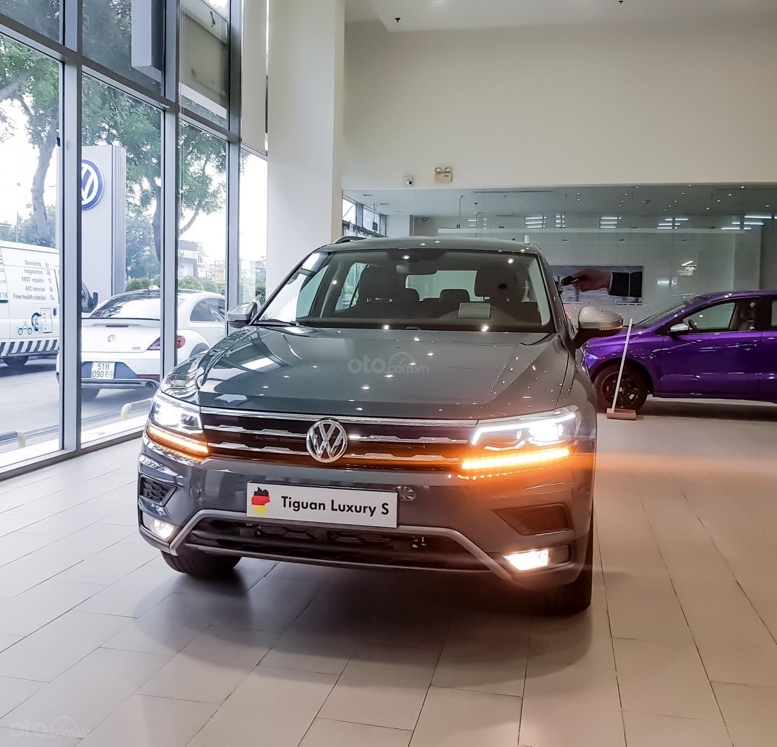 Tặng Ip 12 + bảo hiểm + bảo dưỡng xe miễn phí khi mua xe Tiguan Luxury S 2021, kèm nhiều ưu đãi khác nữa, lh ngay Ms Uyên (1)
