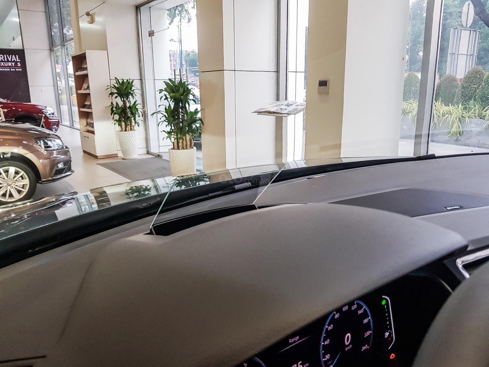 Tặng Ip 12 + bảo hiểm + bảo dưỡng xe miễn phí khi mua xe Tiguan Luxury S 2021, kèm nhiều ưu đãi khác nữa, lh ngay Ms Uyên (5)
