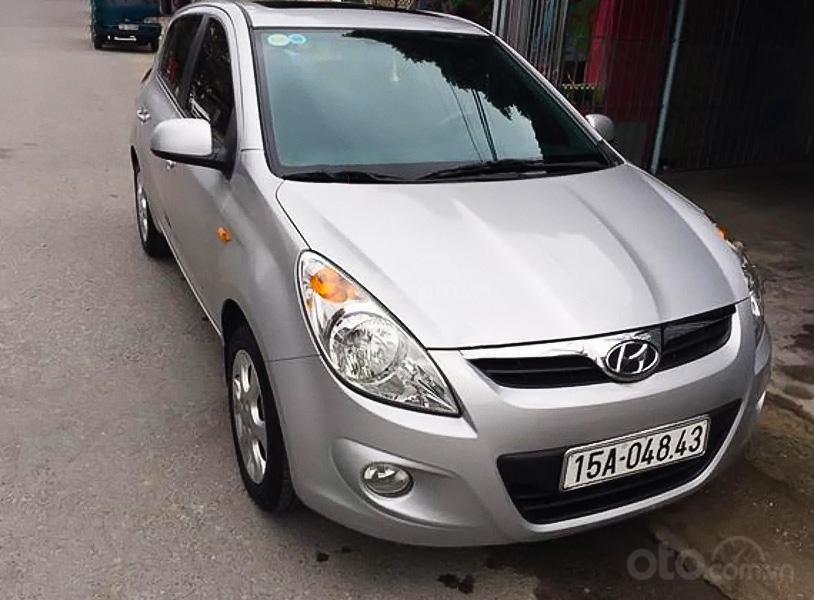Xe Hyundai i20 1.4 AT năm sản xuất 2012, màu bạc, xe nhập  (1)