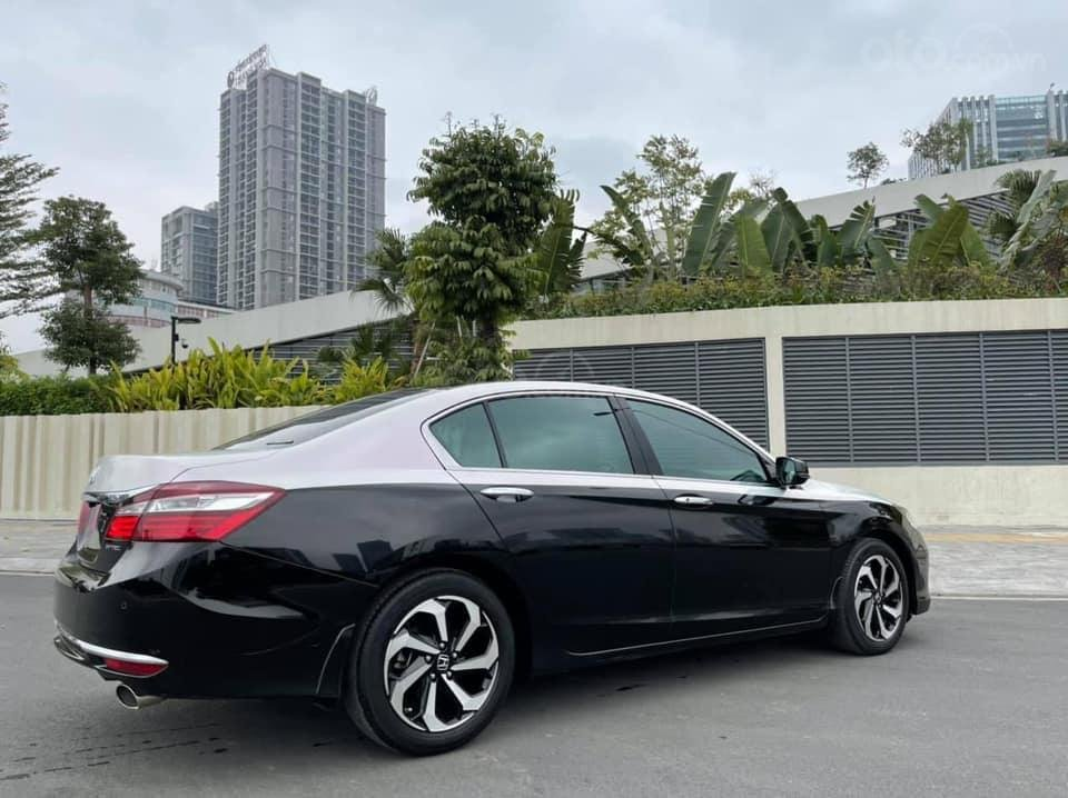 Bán gấp với giá ưu đãi nhất chiếc Honda Accord sản xuất năm 2018 (5)