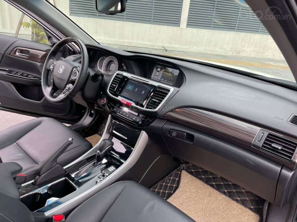 Bán gấp với giá ưu đãi nhất chiếc Honda Accord sản xuất năm 2018 (7)