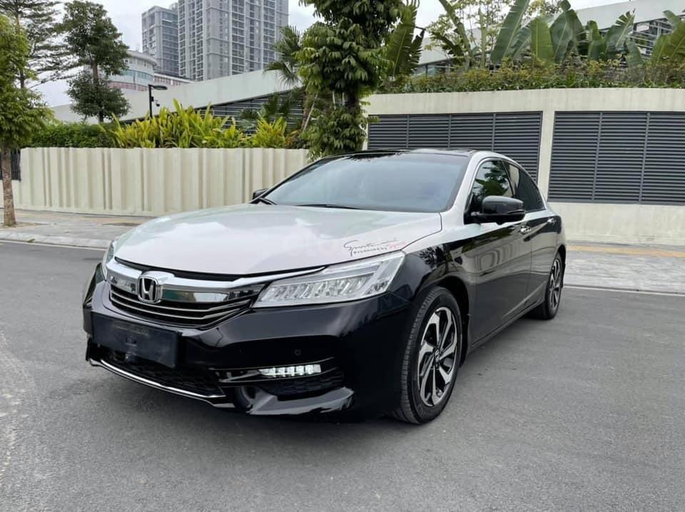 Bán gấp với giá ưu đãi nhất chiếc Honda Accord sản xuất năm 2018 (1)