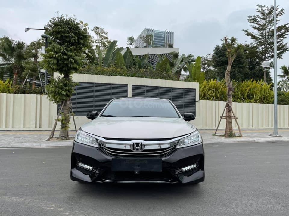 Bán gấp với giá ưu đãi nhất chiếc Honda Accord sản xuất năm 2018 (3)
