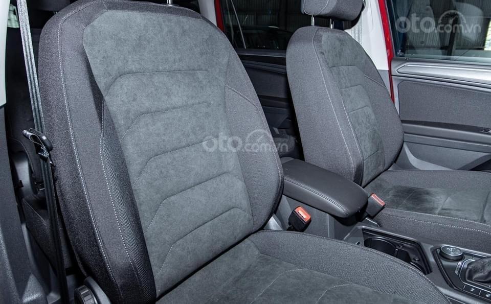 Ưu đãi mua xe đón tết, tặng Ip 12 + bảo hiểm + bảo dưỡng miễn phí khi mua Tiguan Elegance 2021 mới nhập nguyên chiếc (4)