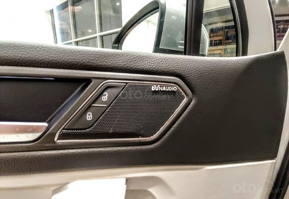 Ưu đãi hấp dẫn tặng IP12 và Bộ Kiện cao cấp xe Tiguan Luxury S màu đen nội thất cam-đen mới nhập, 7 chỗ, 2.0TSI (7)