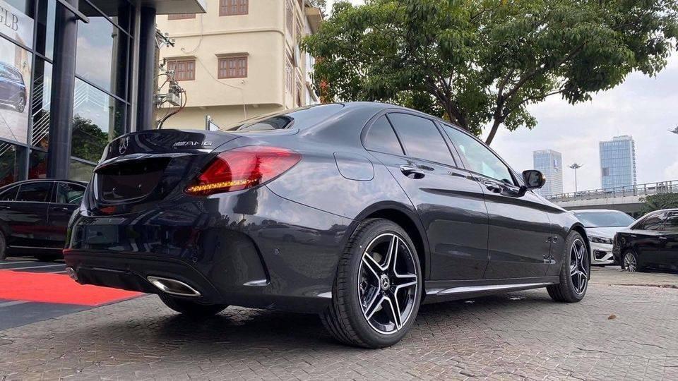 Bán gấp với giá ưu đãi nhất chiếc Mercedes C300 AMG đời 2021, giao nhanh toàn quốc (5)