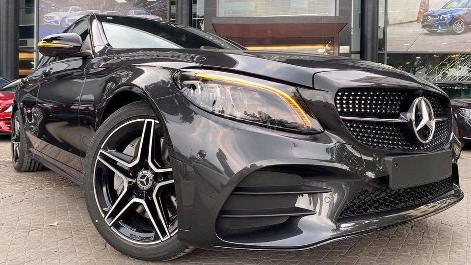 Bán gấp với giá ưu đãi nhất chiếc Mercedes C300 AMG đời 2021, giao nhanh toàn quốc (4)