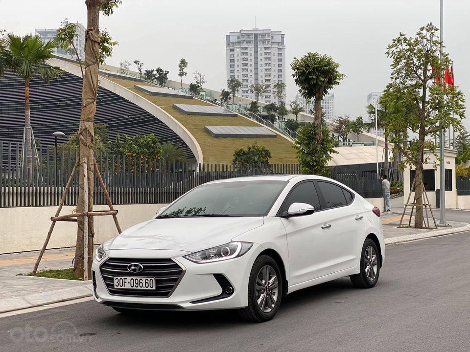 Xe Hyundai Elantra 1.6 2018, màu trắng số tự động, giá chỉ nhỉnh 500 triệu (2)