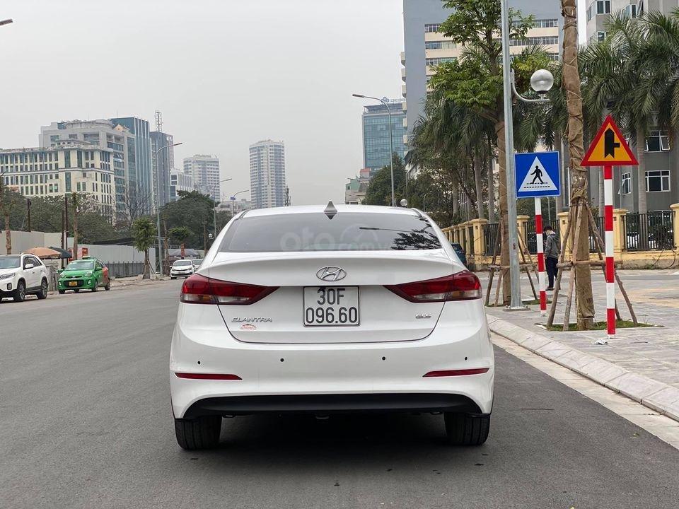 Xe Hyundai Elantra 1.6 2018, màu trắng số tự động, giá chỉ nhỉnh 500 triệu (4)