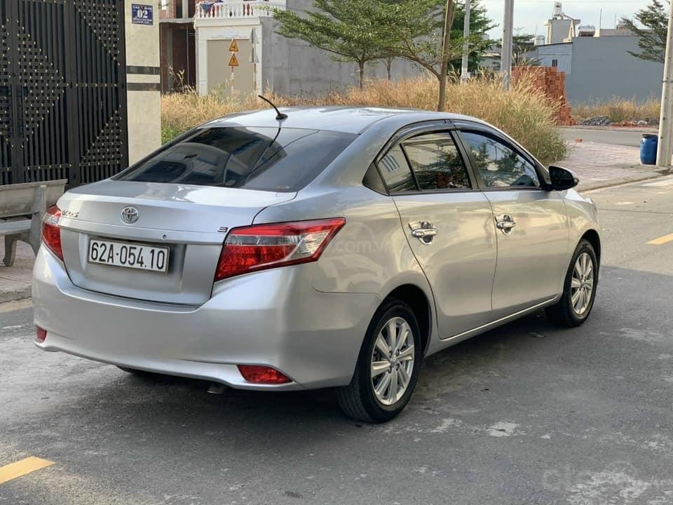 Cần bán gấp xe Toyota Vios E năm sản xuất 2016, màu bạc (1)