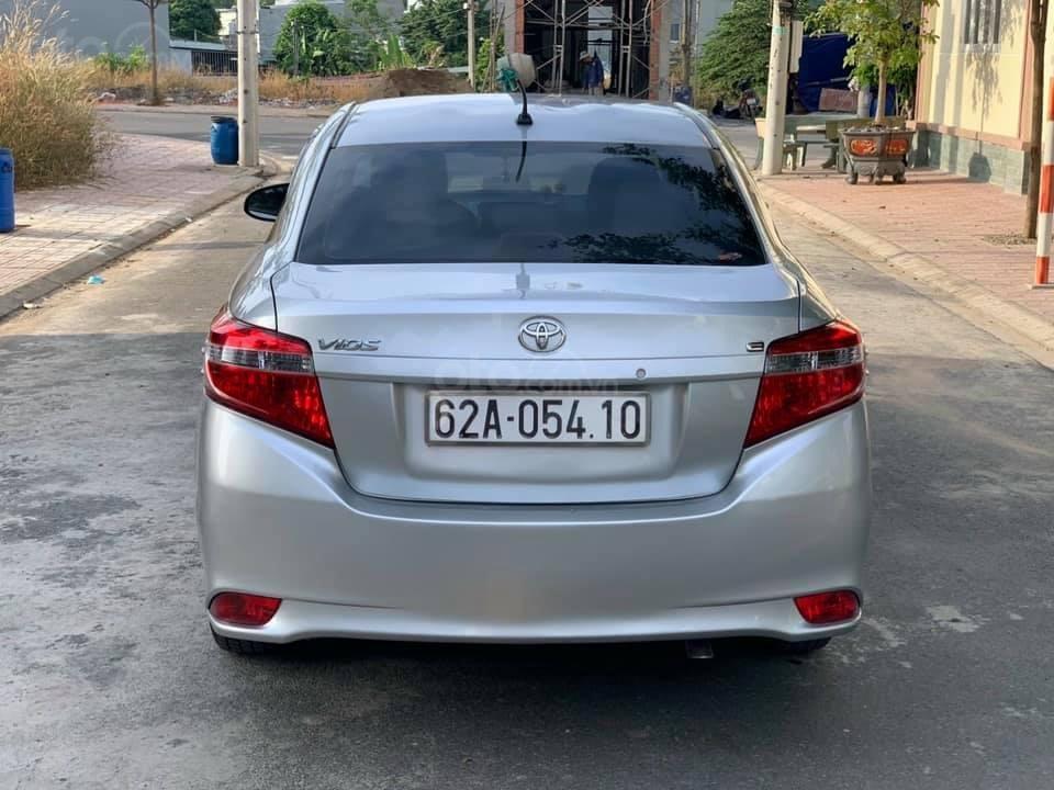 Cần bán gấp xe Toyota Vios E năm sản xuất 2016, màu bạc (3)
