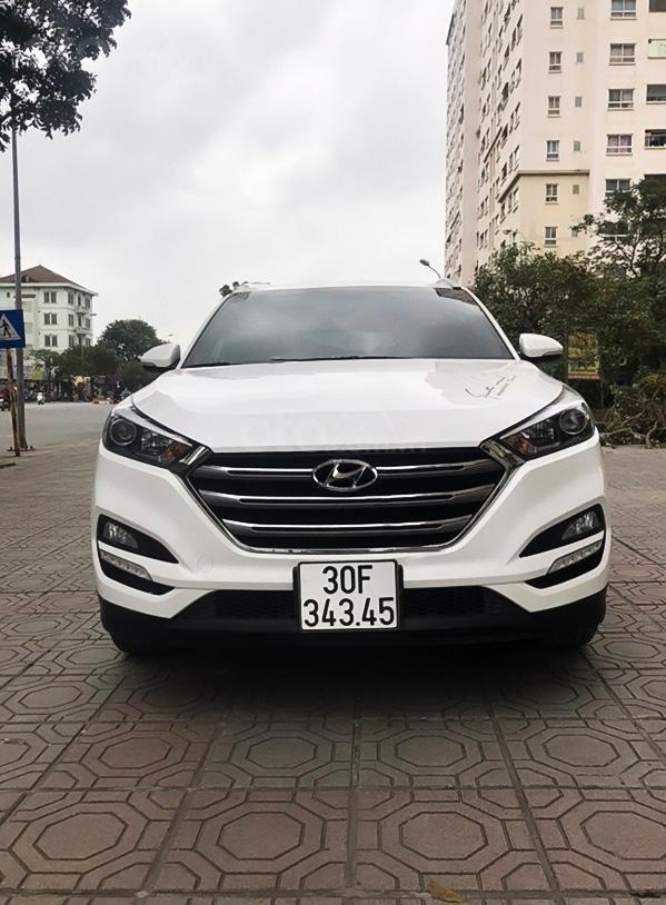 Bán ô tô Hyundai Tucson năm 2018, màu trắng (1)