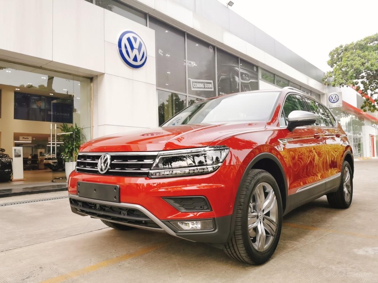 Ưu đãi lên đến 100tr Tiguan Luxury S màu đỏ ruby sang trọng, xe 7 chỗ, nhập khẩu, gầm cao offroad tốt, 2.0TSI (1)