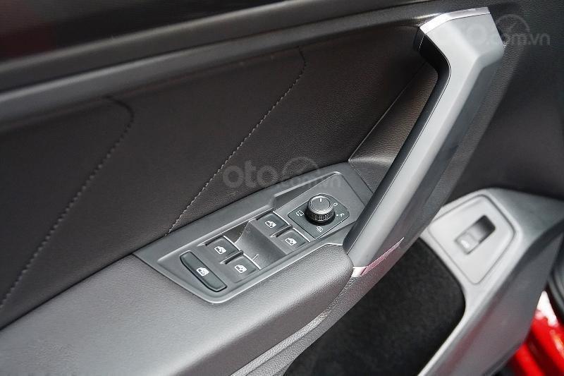 Ưu đãi lên đến 100tr Tiguan Luxury S màu đỏ ruby sang trọng, xe 7 chỗ, nhập khẩu, gầm cao offroad tốt, 2.0TSI (10)