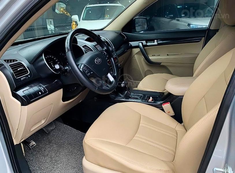 Xe Kia Sorento DATH sản xuất 2016, màu bạc, giá 698tr (4)