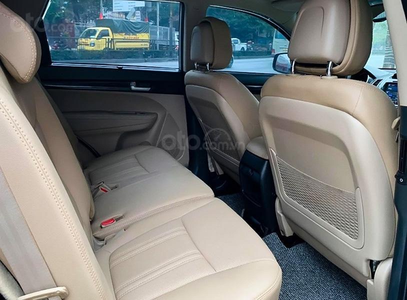 Xe Kia Sorento DATH sản xuất 2016, màu bạc, giá 698tr (5)