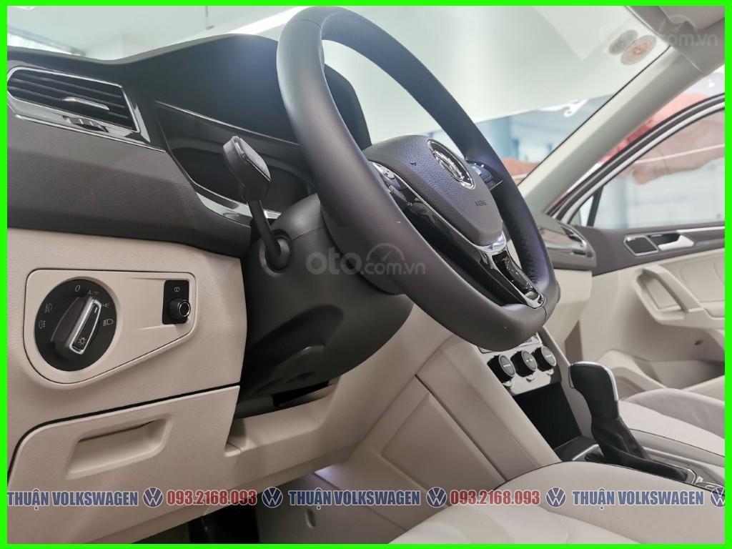 VW Trường Chinh- SUV 7 chỗ đang có giá đặc biệt Tiguan Luxury S 2021 màu đen giao ngay, tặng iphone 12 + phụ kiện+ tiền (7)