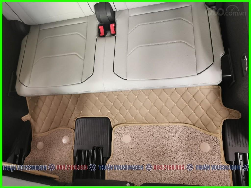 VW Trường Chinh- SUV 7 chỗ đang có giá đặc biệt Tiguan Luxury S 2021 màu đen giao ngay, tặng iphone 12 + phụ kiện+ tiền (11)